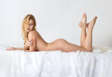 Erotogenní zóna je místem, kde je žena, nebo muž citlivější na dotek
